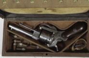 Lefaucheuxrevolver im Kasten Belgien um 1865