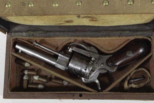13460 - Lefaucheuxrevolver im Kasten Belgien um 1865